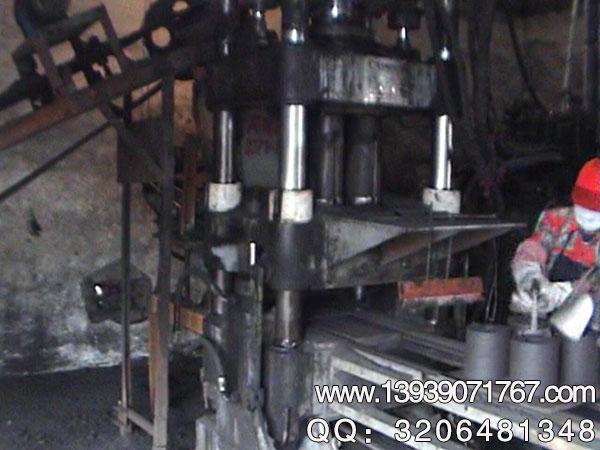 如何做好铝屑压块机的日常保护和维护工作